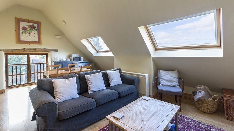 Amber Cottage - A delightful stable conversion in stunning countryside, great lo, aluguéis de temporada em Gloucester