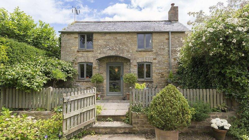 Five Bells Garden Cottage - Beautiful holiday retreat for two in the pretty Cots, alquiler de vacaciones en Kingham