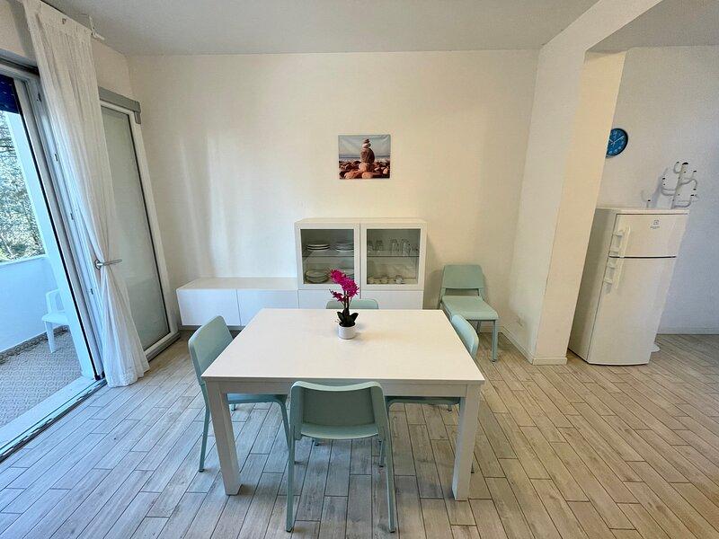 Appartamento Villa Antonietta 3, immerso nel verde e a due passi dalla spiaggia, holiday rental in Bibione