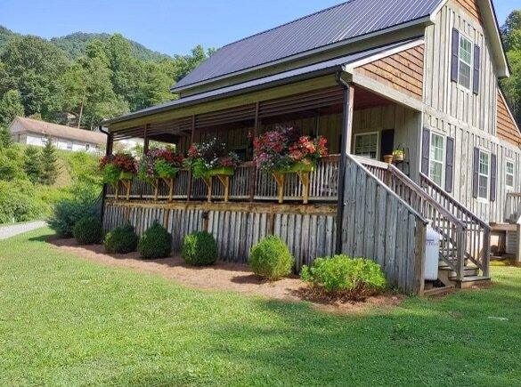 Mountain Farmhouse, holiday rental in Webster
