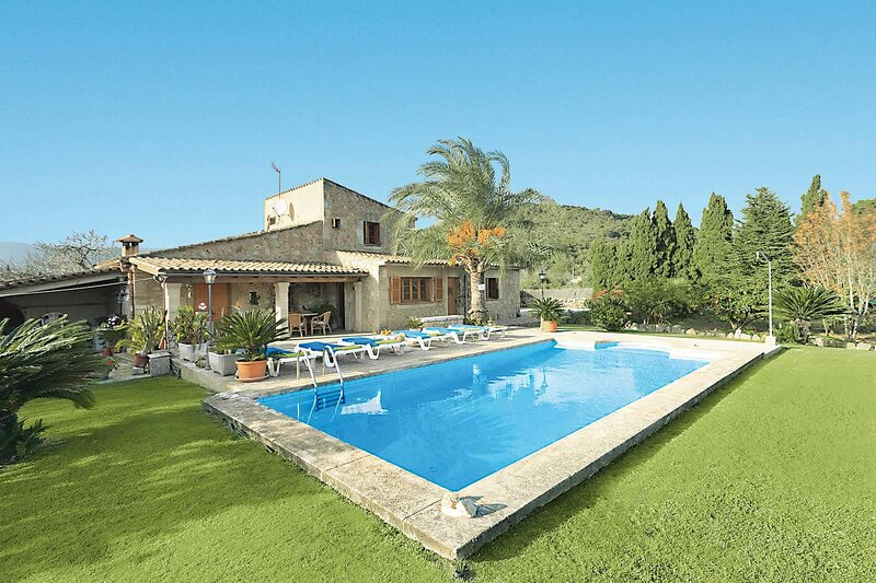 Villa Can Coll, holiday rental in Tres Cantos