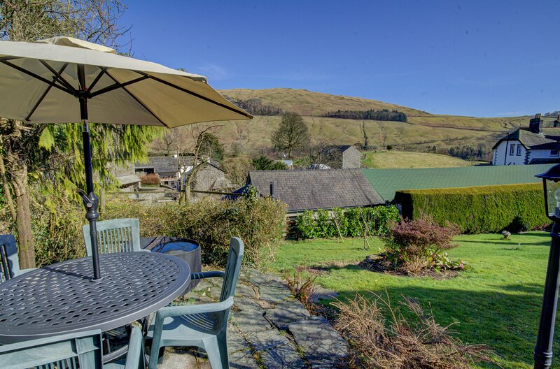 Stamp Howe - 4-Bedroom house with fantastic views and two pubs nearby., holiday rental in Troutbeck