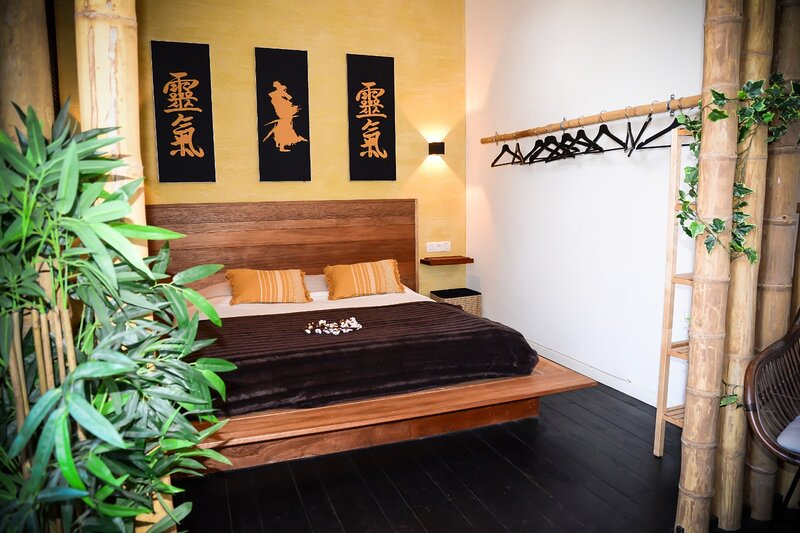 Japanese loft citycenter + balconyview, vacation rental in Antwerp