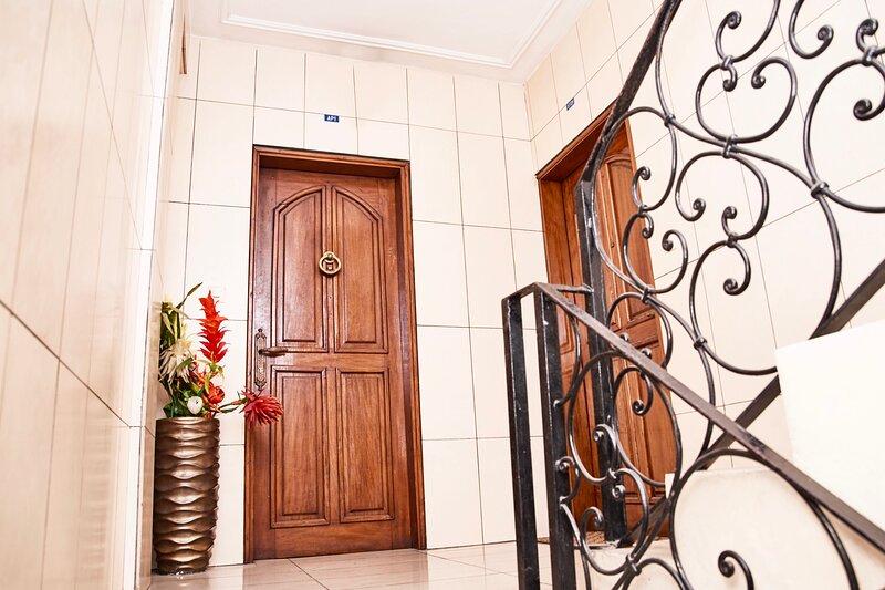 Appartement Bonanjo. Etage#1, holiday rental in Littoral Region