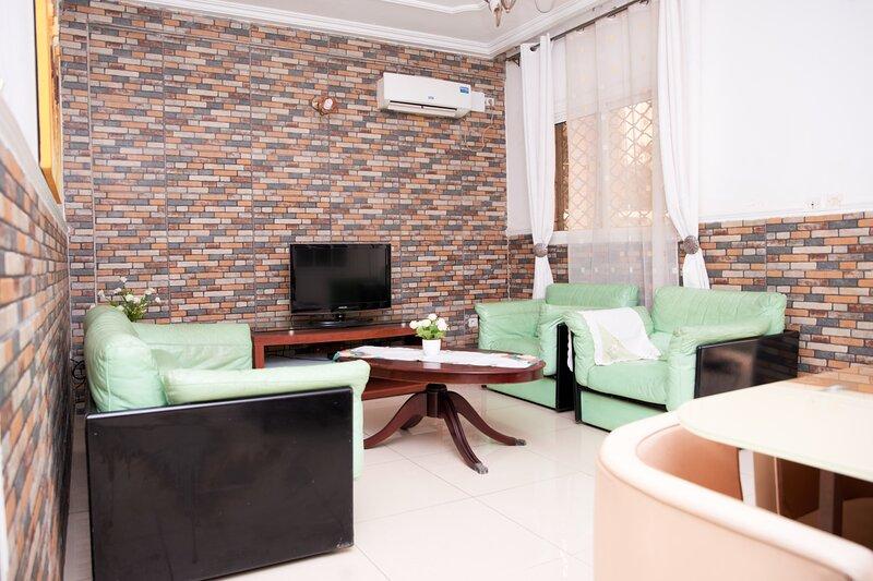 Appartement Bonanjo. RDC D, holiday rental in Littoral Region