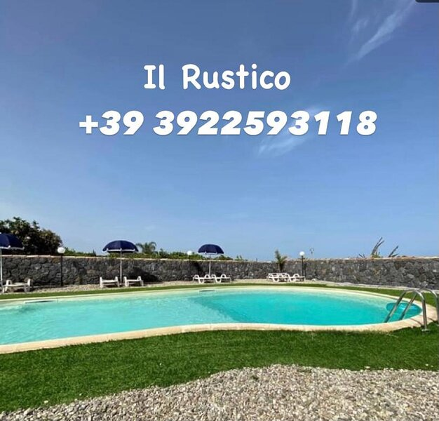 IL RUSTICO POZZILLO LOCATION PER FESTE CON PISCINA E PERNOTTAMENTO, holiday rental in Stazzo