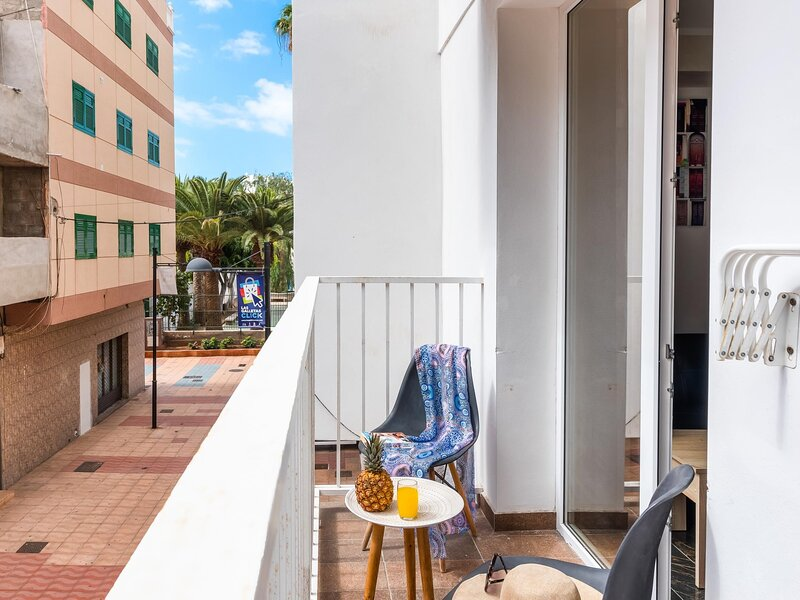 1A SOFIA APARTMENT CLOSE SERVICE AND SEA!! WIFI!, holiday rental in Las Galletas