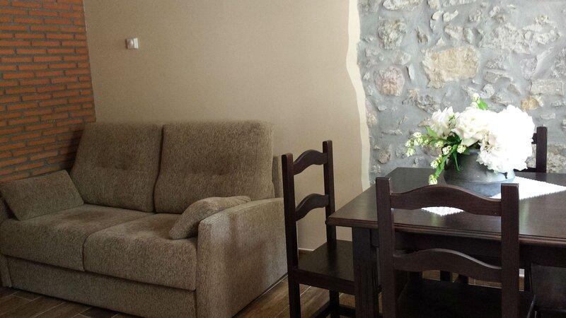 La Xana, apartamento de una habitación en Poo de Llanes, holiday rental in Porrua