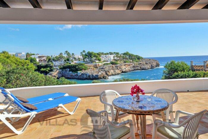 Arkadia, basic villa for 6 persons in Cala Egos, location de vacances à Cala Mondrago