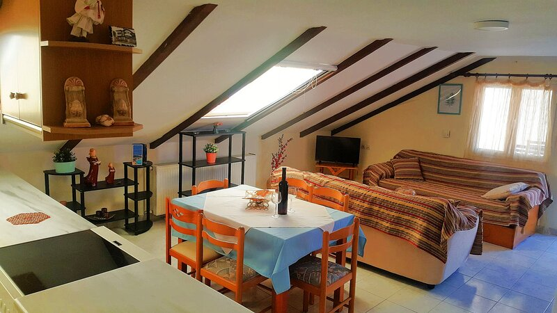 2 Bedroom Sea View Apartment (8 persons) - SunBliss Studios & Apartments, holiday rental in Alykes