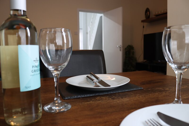 STYLISH MODERN HOME IDEAL FOR CITY/COASTAL BREAK, casa vacanza a Barrow upon Humber