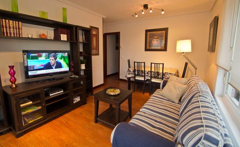 El Mirador de Suances - 2 hab con jardín privado, mobiliario externo y barbacoa, holiday rental in Miengo