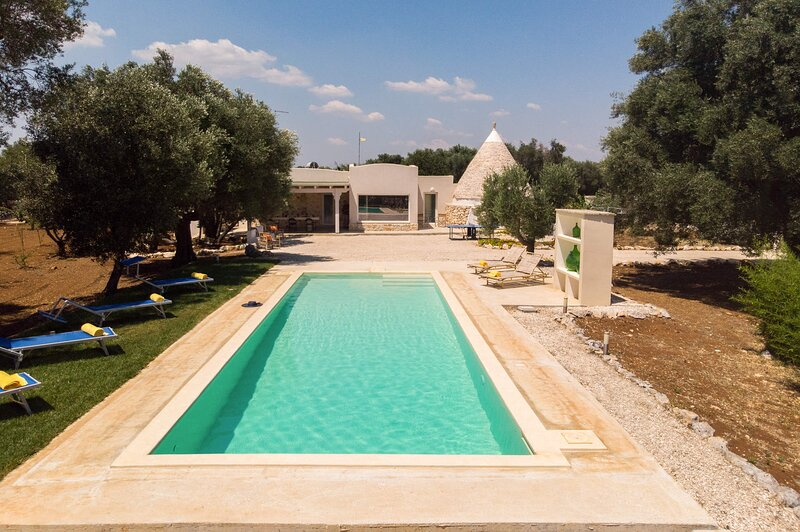 Trullo Incanto con Piscina, holiday rental in San Vito dei Normanni