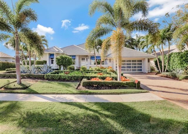 Breathtaking waterfront home w/ heated pool, hot tub, kayaks & paddleboards, vacation rental in Marco Island
