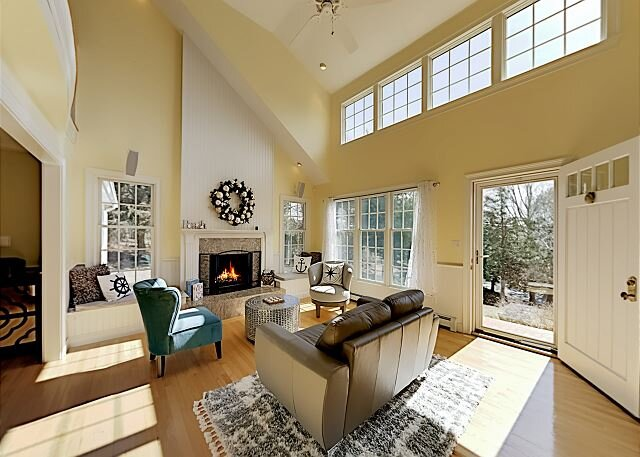 Sandy Neck Custom Home   4 Living Rooms, Sunroom, Central AC   Walk to Beach, holiday rental in West Barnstable