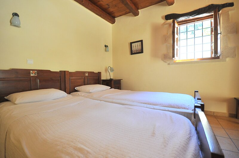 Traditional Hotel for Relaxation and Rejuvenation, holiday rental in Voukolies