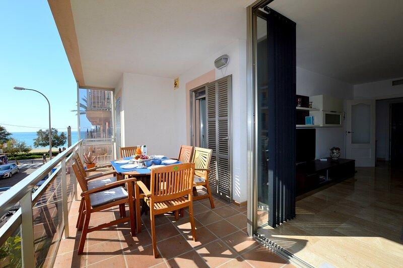 Bonito apartamento Ca'n Pastilla primera línea, vacation rental in Es Pillari