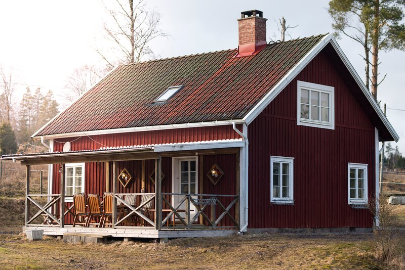 Cottage with beautiful lake view, holiday rental in Vaggeryd
