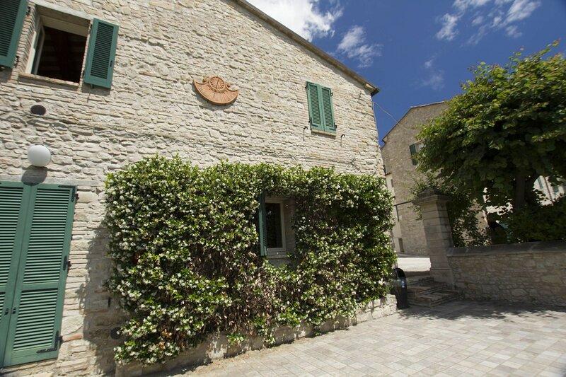 Palazzo Del Cortile, holiday rental in Appignano
