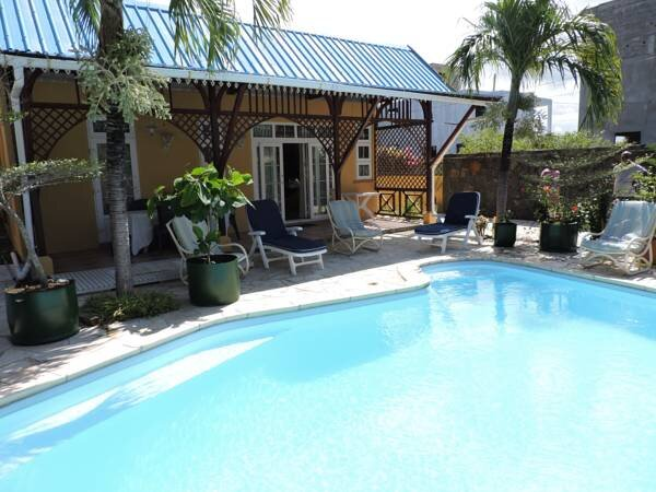 Family Guest House with Private Swimming Pool, vacation rental in Beau Vallon