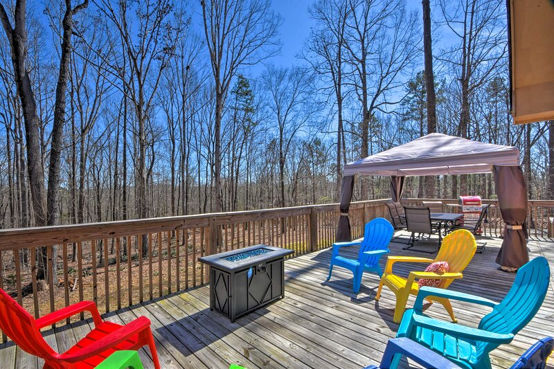 NEW! 'The Lake Place' Cabin w/ Golf Cart & Kayaks!, vacation rental in Martin