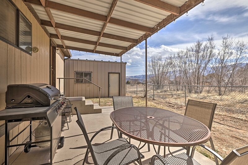 NEW! Richfield Home w/ Views ~ 13 Mi to Nat'l Park, holiday rental in Fillmore