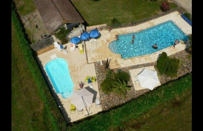 Gîte du Clôt de Roques n°4 : La Vigne 6 personnes + accès piscine - Casseneuil, aluguéis de temporada em Sainte-Colombe-de-Villeneuve