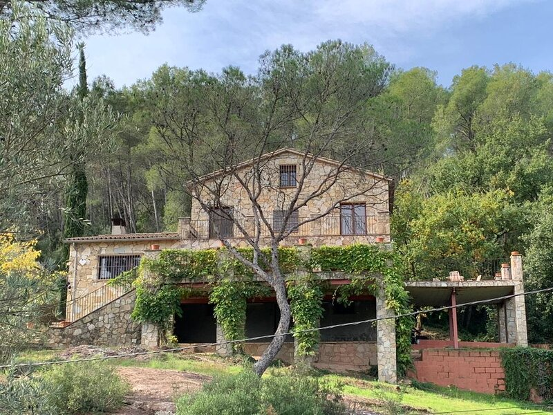 Catalunya Casas: Nurture AND Nature for 13 guests, only 15 km from Barcelona!, alquiler vacacional en Cervelló