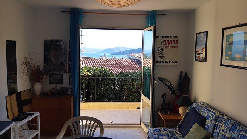 Appartement calme en Balagne 2 niveaux vue imprenable sur Mer Cap-Corse Agriates, aluguéis de temporada em Ile Rousse