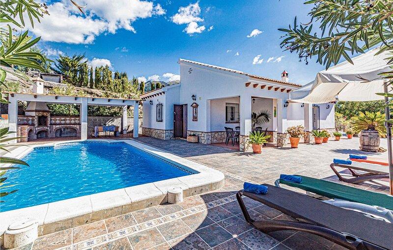 Amazing home in Canillas de Albaida with WiFi and 3 Bedrooms (EAN924), aluguéis de temporada em Sedella