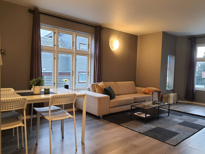 Central Para Apartment 1terrace Private Parking2rooms, holiday rental in Bryne