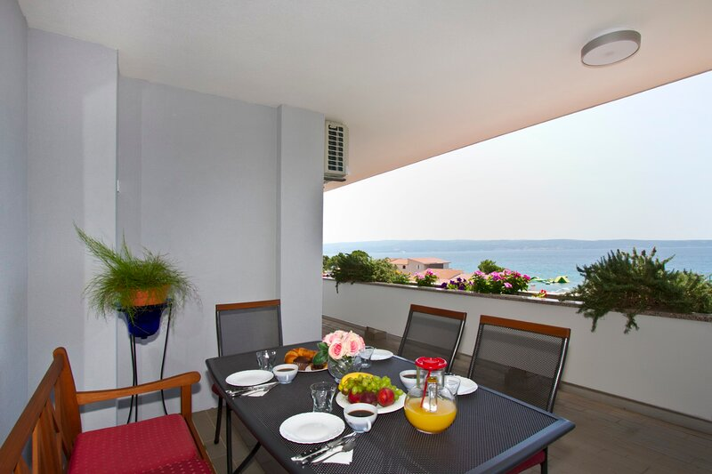 Spacious 110 m2 apt with terrace and garden, alquiler de vacaciones en Jesenice