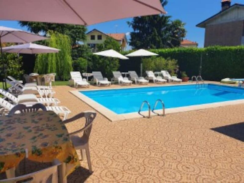 APPARTAMENTO IN VILLA CON PISCINA, vacation rental in Santa Maria Hoe