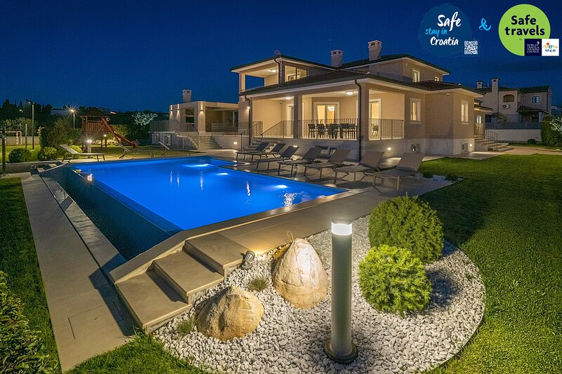 Beautiful Villa Silvia, in Istria, with a Pool, location de vacances à Baldasi