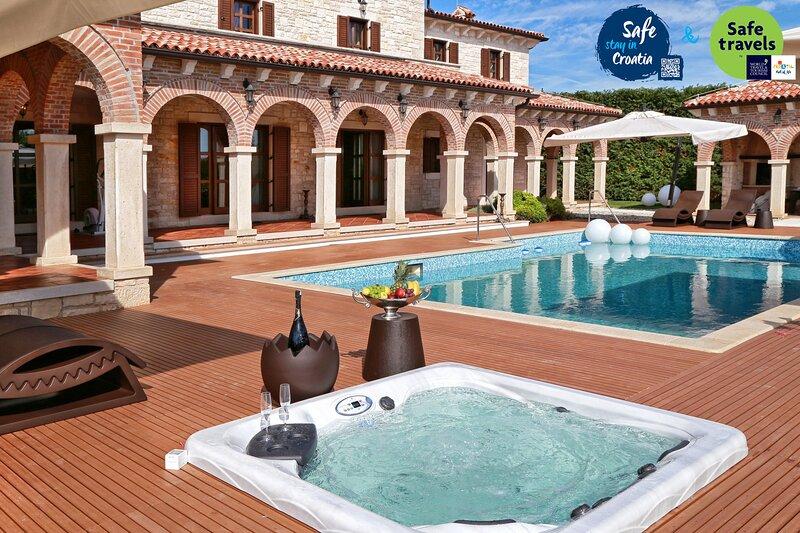 Beautiful Villa Carolus Barat, in Istria, holiday rental in Bacva