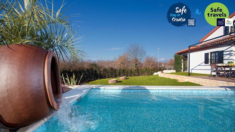 Beautiful Villa Intima, in Istria, with a Pool, holiday rental in Nova Vas