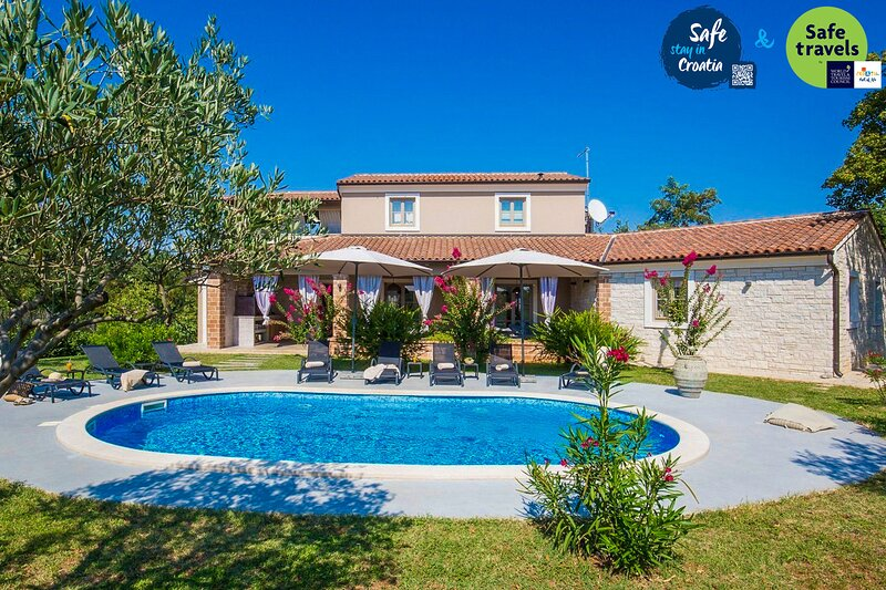 Lovely Villa Astarea, in Istria, with a Pool, holiday rental in Divsici