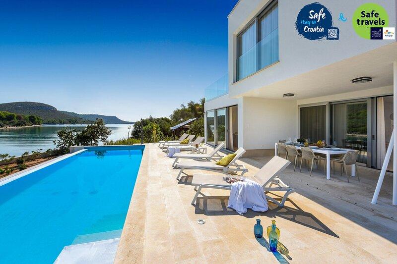 Modern Villa InBlue, on the Island of Ugljan, location de vacances à Kali