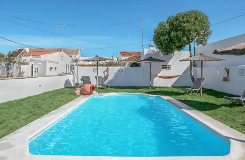 Nice house with shared pool & Wifi, holiday rental in Zahora