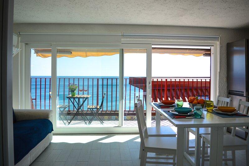 Panoramic loft AcquaMarina, holiday rental in Gallodoro