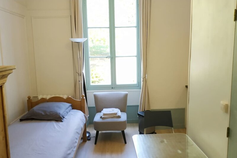 Joli Studio Le Beau-Site Centre ville d'Aix, holiday rental in Voglans