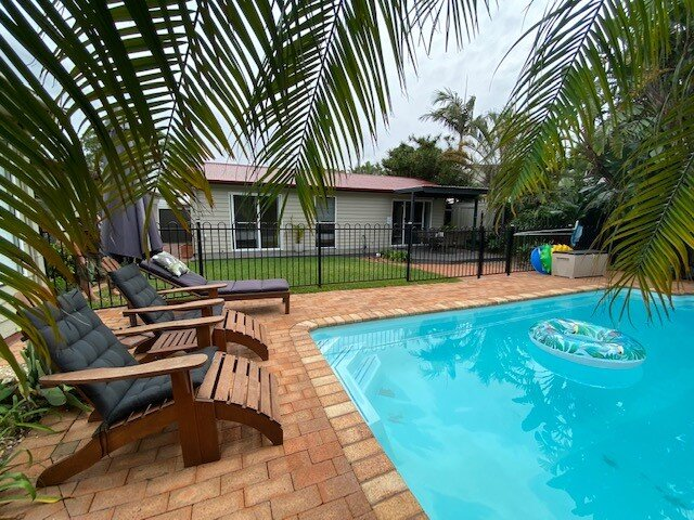 Umina Beach Pool Guest Stay, vacation rental in Ettalong Beach