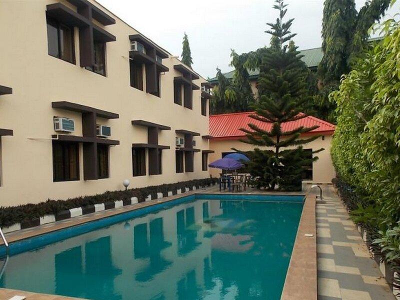 Benac Suites and Hotel, alquiler de vacaciones en Federal Capital Territory