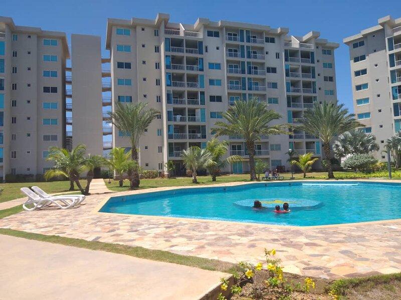 Hermoso Apartamento Vacacional para pasar tus vacaciones con familia o amigos, location de vacances à El Yaque