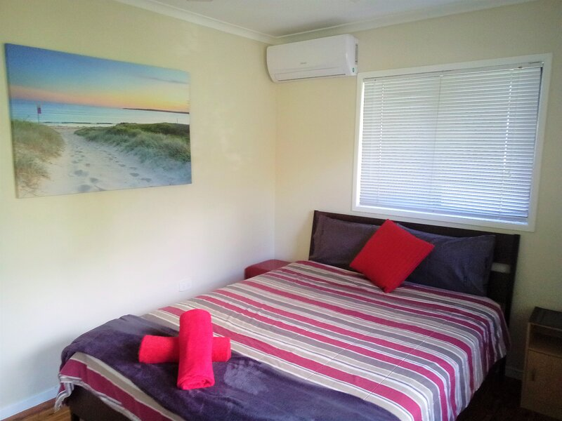 Southport-Dandar Sunny Queen, holiday rental in Pacific Pines