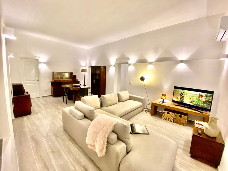 Villa nel Parco dei 7 fratelli, holiday rental in Sinnai