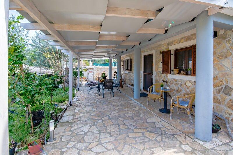 hara luxury house, holiday rental in Antipaxos
