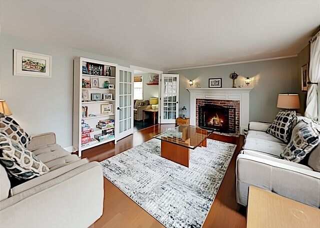 Private, Peaceful & Stylish Getaway | Firepit | Near Beaches, Dining & Shops, holiday rental in Hyannis