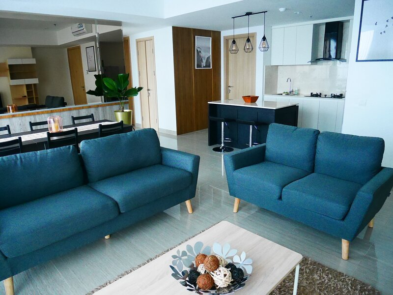 Fairview Hous apartment with private elevator – semesterbostad i Serpong