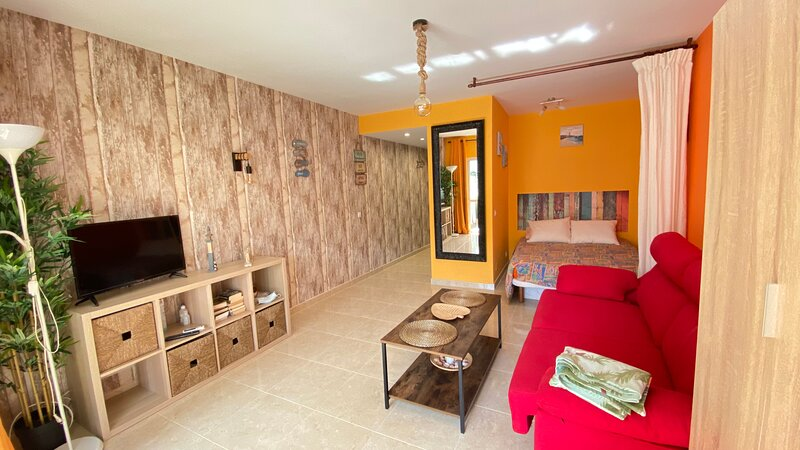 Bonito Estudio en Playamar, location de vacances à Torremolinos